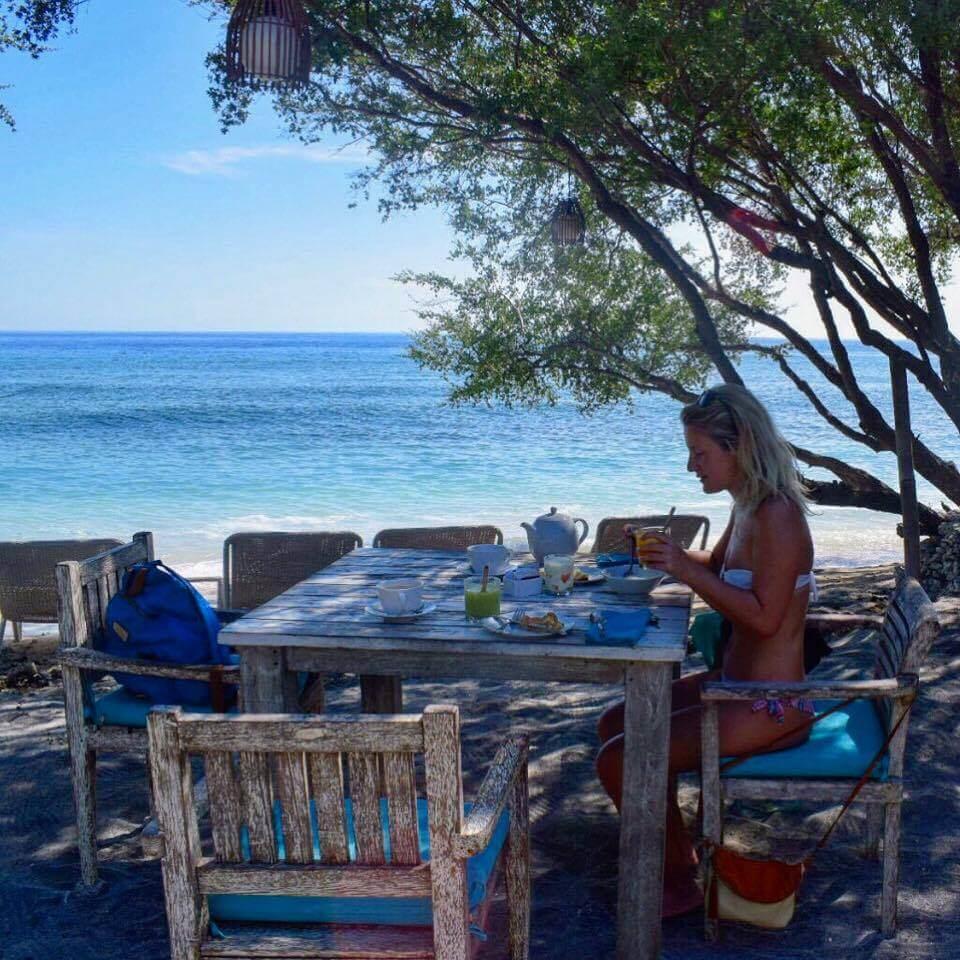 Breakfast on the beach at Wilsons Retreat