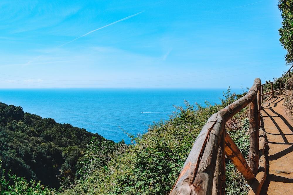 Hiking along the Sentiero Azzurro in Cinque Terre in one day