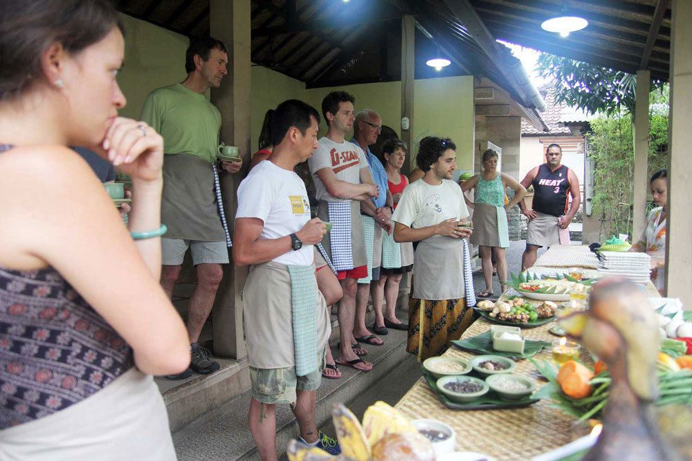 Paon cooking class, photo by RTW Guys