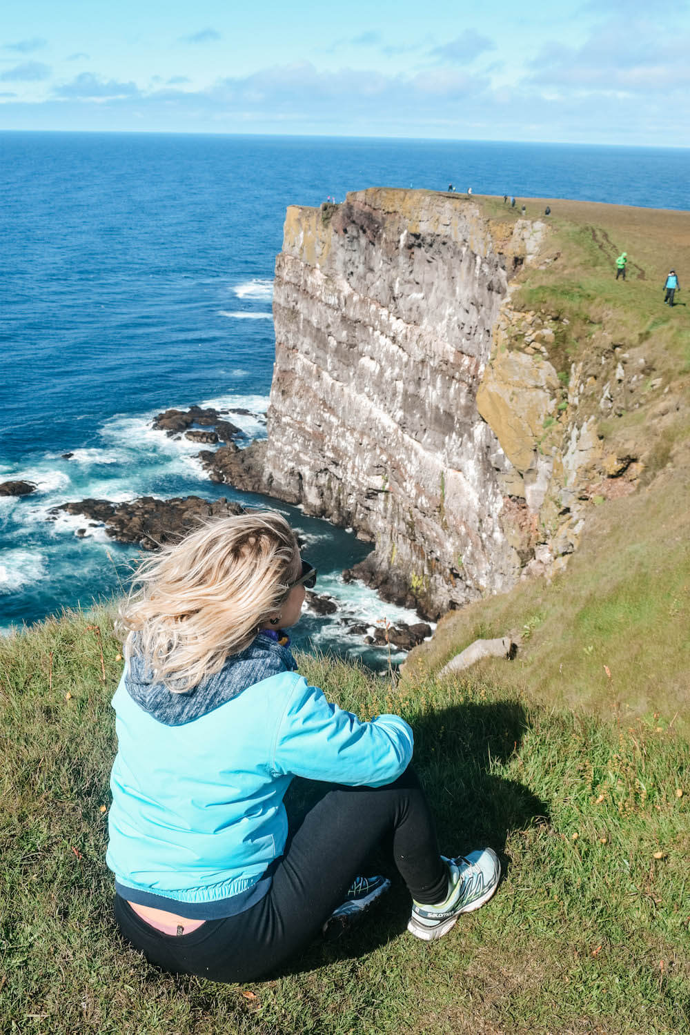 Admiring the huge cliffs of Látrabjarg, trying to spot some puffins
