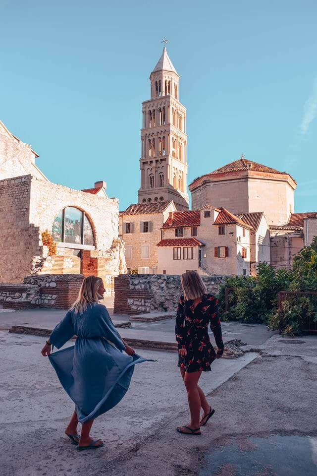 Exploring the side streets of Split in the early morning