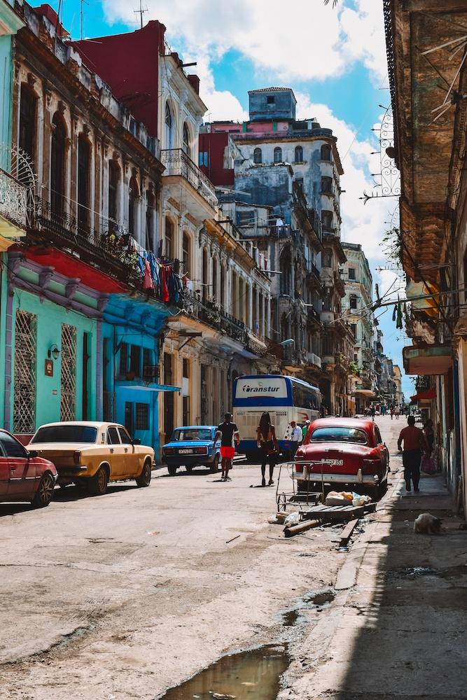 Exploring the colonials streets of Havana, Cuba