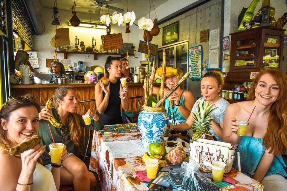 Enjoying a sugar cane drink at Fruteria de los Pinarenos