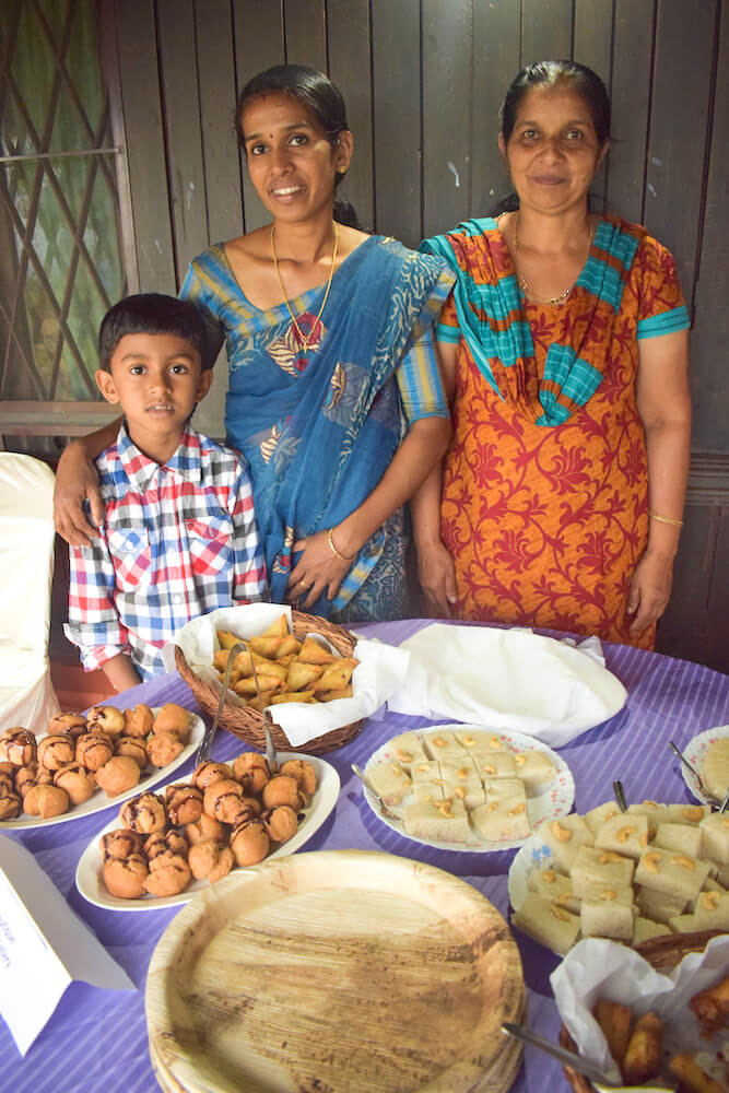 One of the amazing families that welcomed us at Kollenkeril Homestay and treated us to homemade delicacies