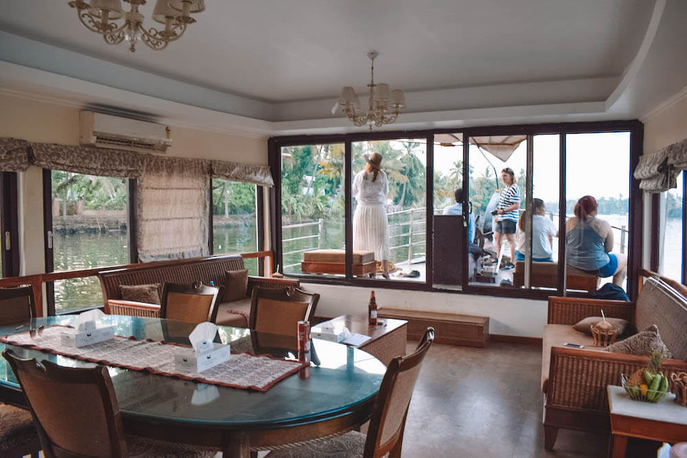 The lounge / dining area of our Spice Routes houseboat