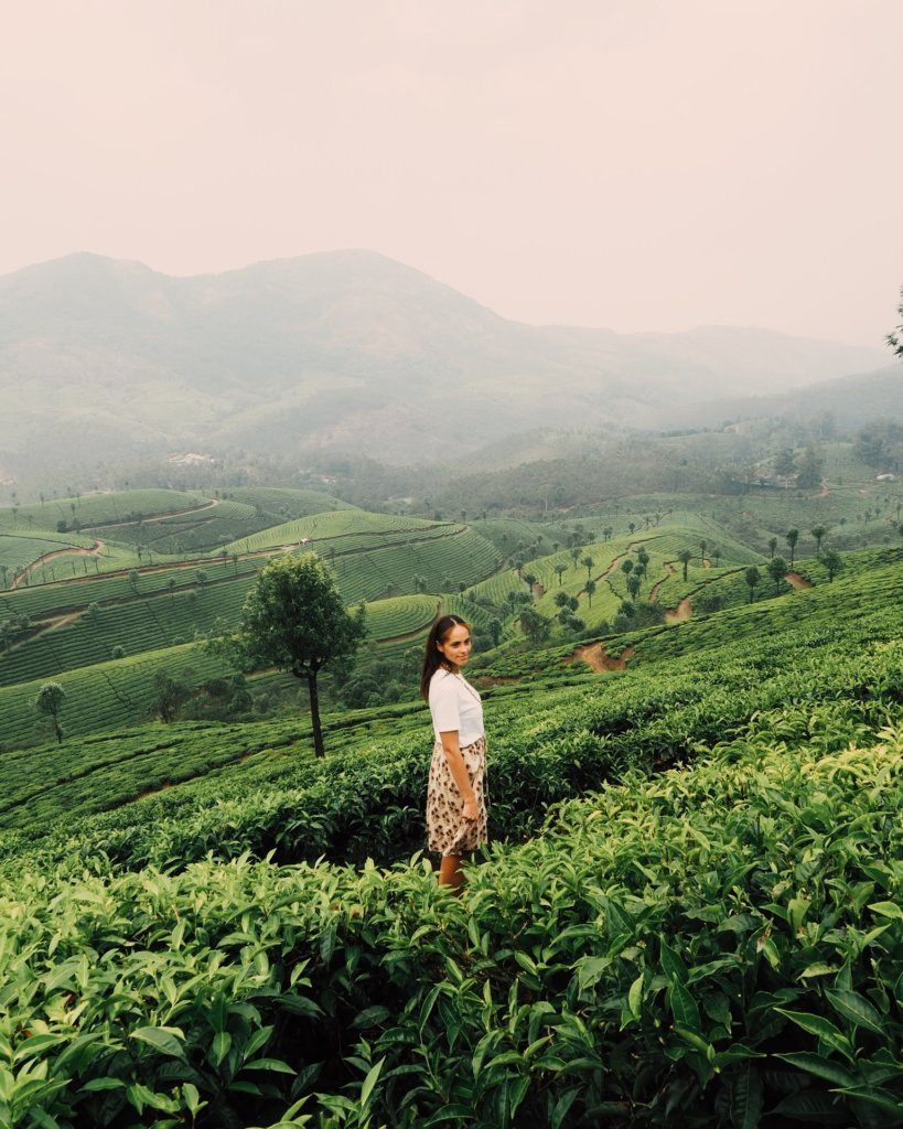 Amandine author of Les Berlinettes in the tea plantations of Munnar