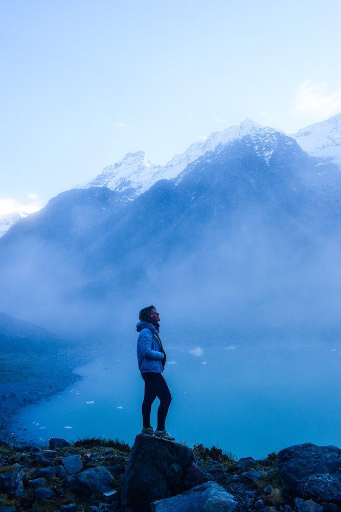 Hooker Lake in Mount Cook National Park, New Zealand