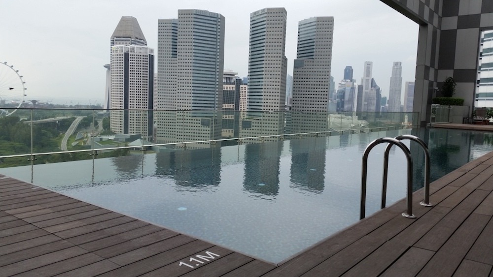 The rooftop pool of the Pan Pacific Beach Road, photo by The Travel Sisters