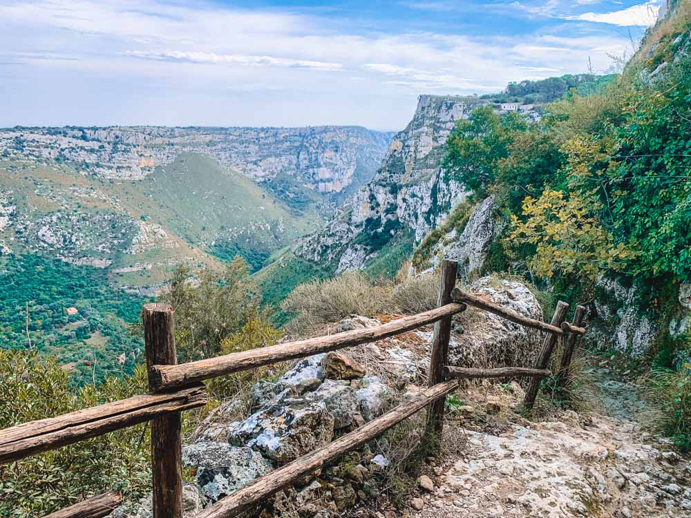Beautiful hiking trails and views in the Natural Reserve of Cavagrande