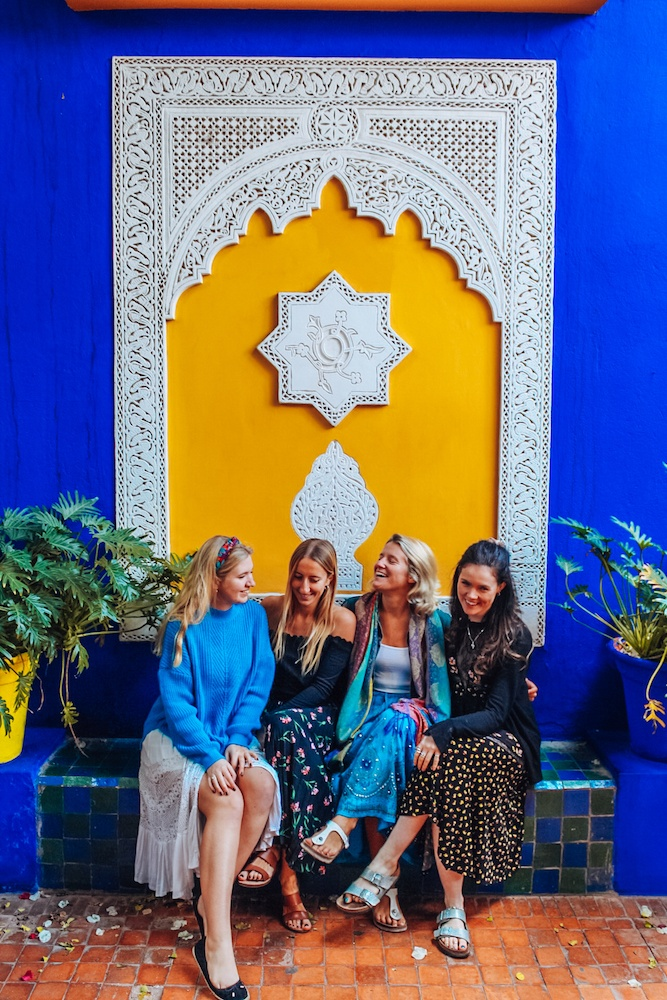 Exploring Jardin Majorelle in Marrakech with my friends and fellow bloggers @wherelifeisgreat @solarpoweredblonde and @offgoesannie