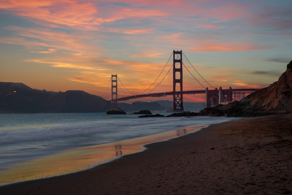 The Golden Gate Bridge in San Francisco at sunset - Photo by Kaitlyn Thurlow on Scopio