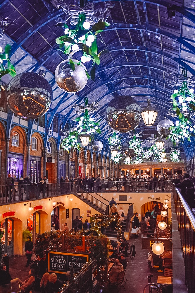 The Apple Market in Covent Garden at Christmas