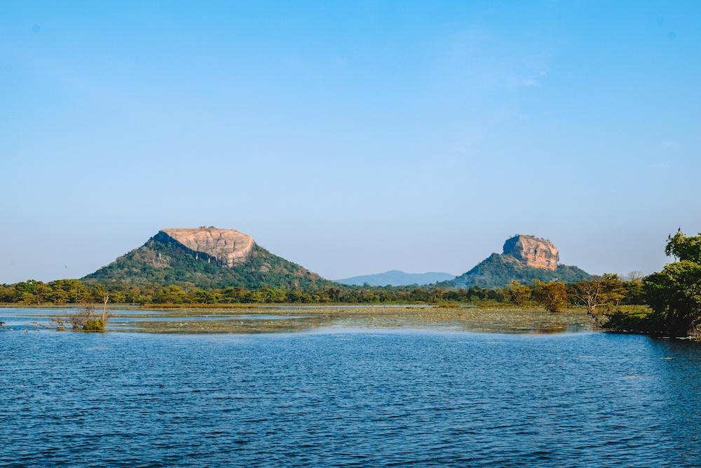 The view over both Pidurangala and Sigirya