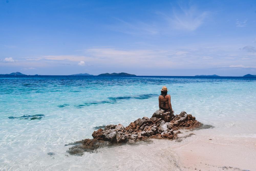 The crystal clear water of Malcapuya Island, Palawan