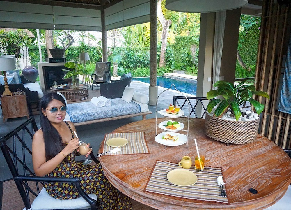 Enjoying some relaxing time at Kayumanis Sanur, photo by Live Less Ordinary