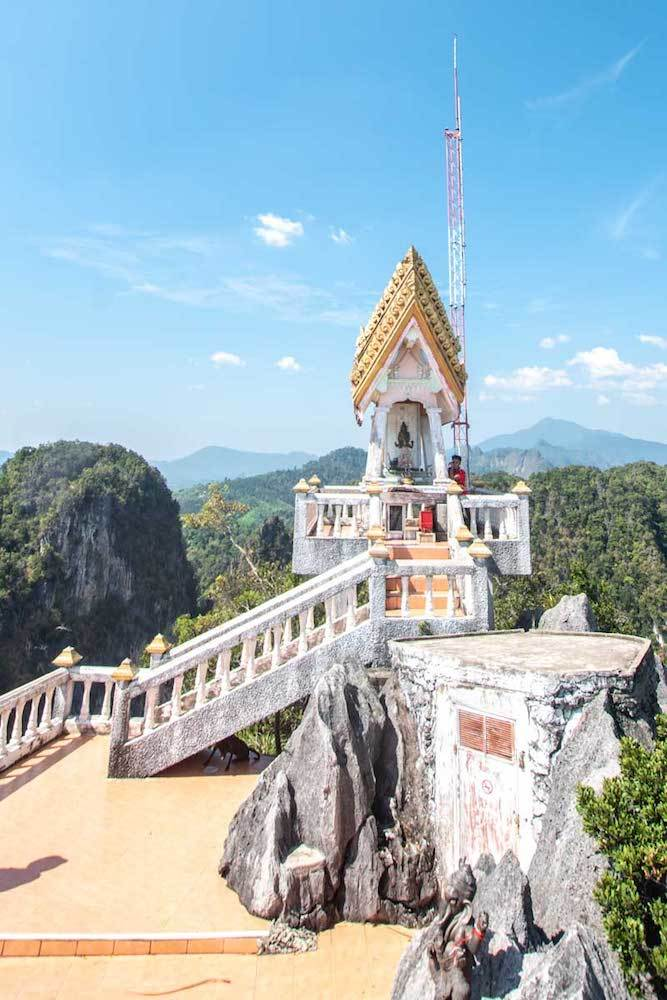 The Tiger Cave temple in Krabi, photo by Global Castaway