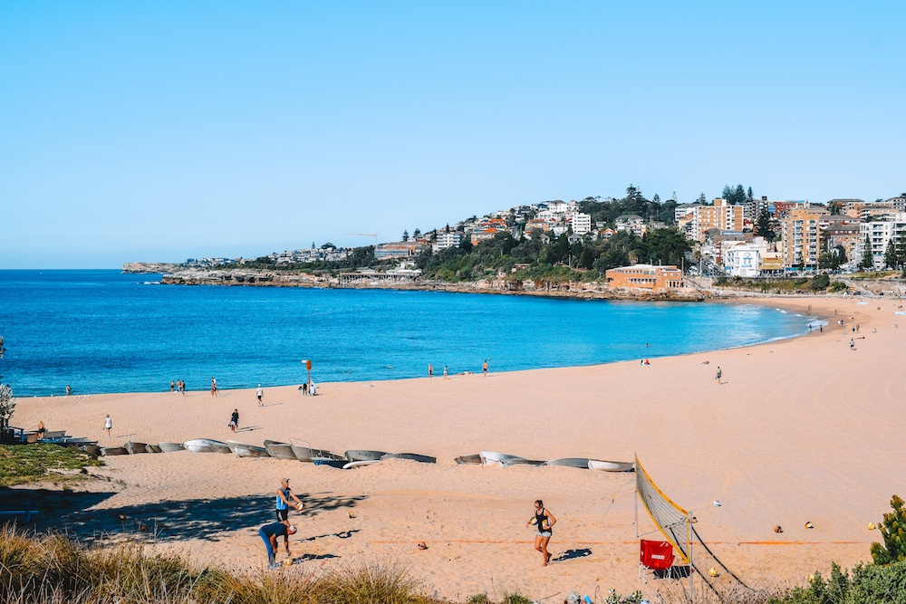 The beach in Coogee, the starting point of your Coogee to Bondi coastal walk