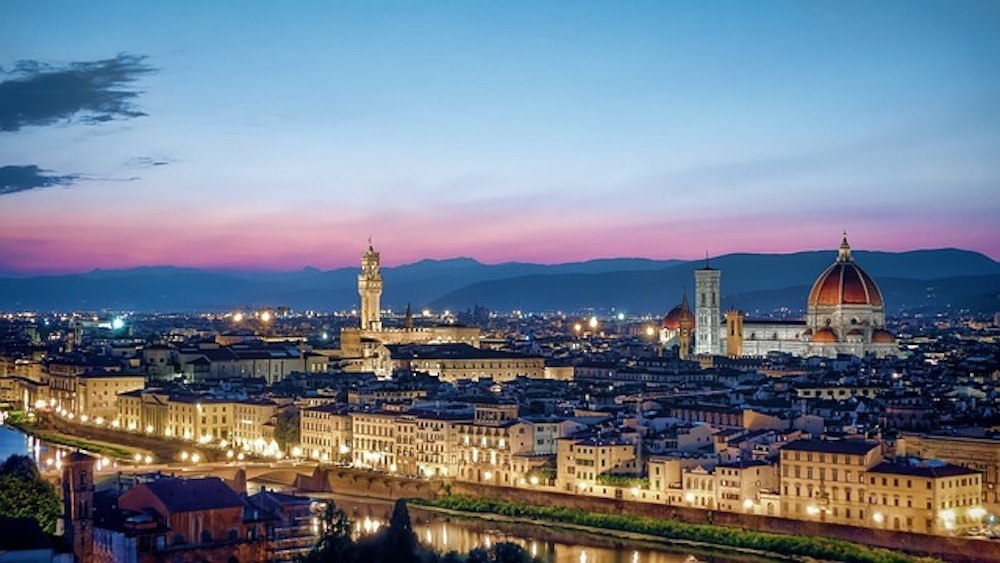 Watching the skyline of Florence light up from Piazzale Michelangelo