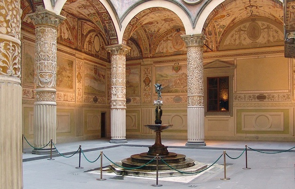 Beautiful Renaissance courtyards in Florence