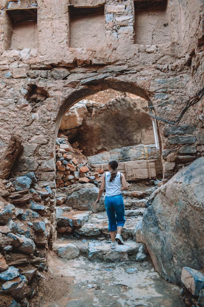 Exploring the cute streets of Misfah Al Abrynn in Oman