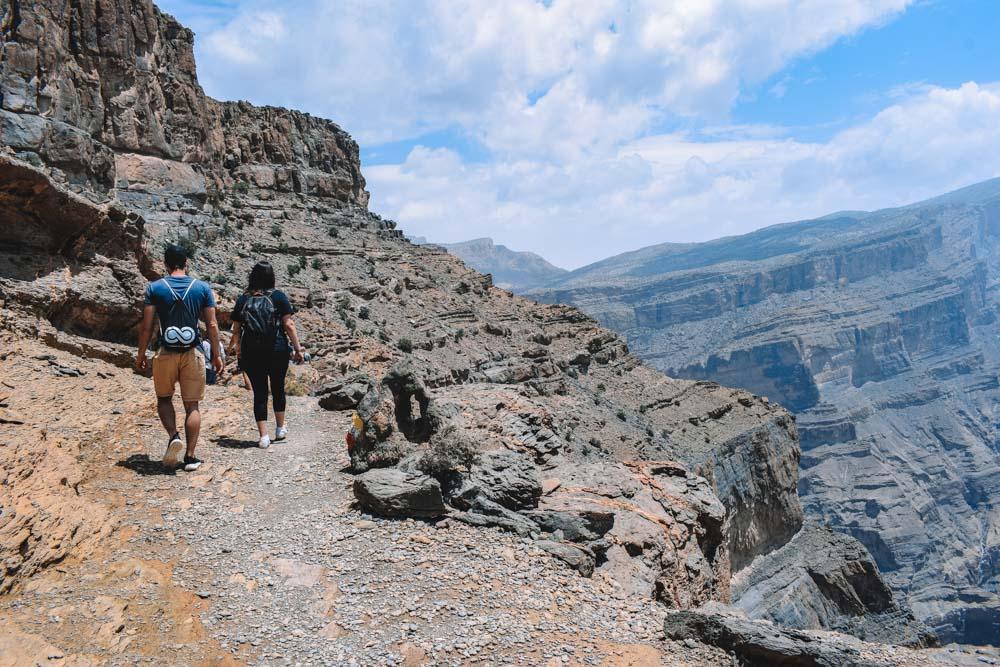 Hiking along Wadi Ghul on the Jebel Shams Balcony Walk
