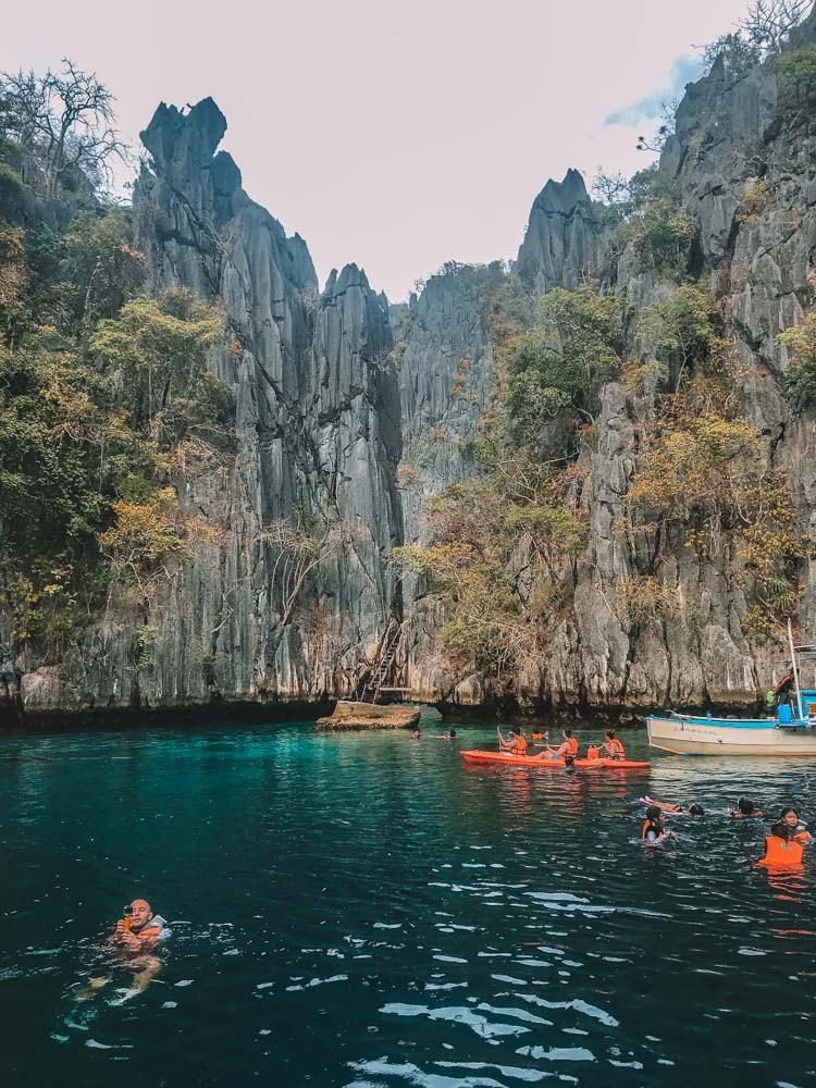 The steep cliffs of Twin Lagoons in Coron