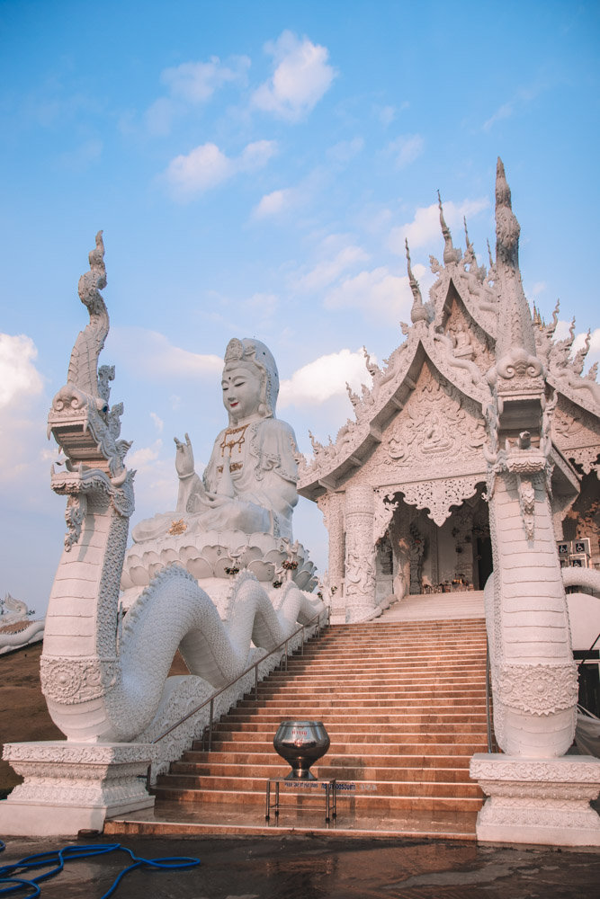The temple and Goddess of Mercy statue at Wat Huay Pla Kung