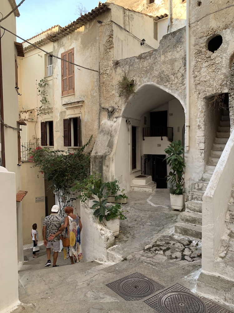 The adorable streets of Sperlonga