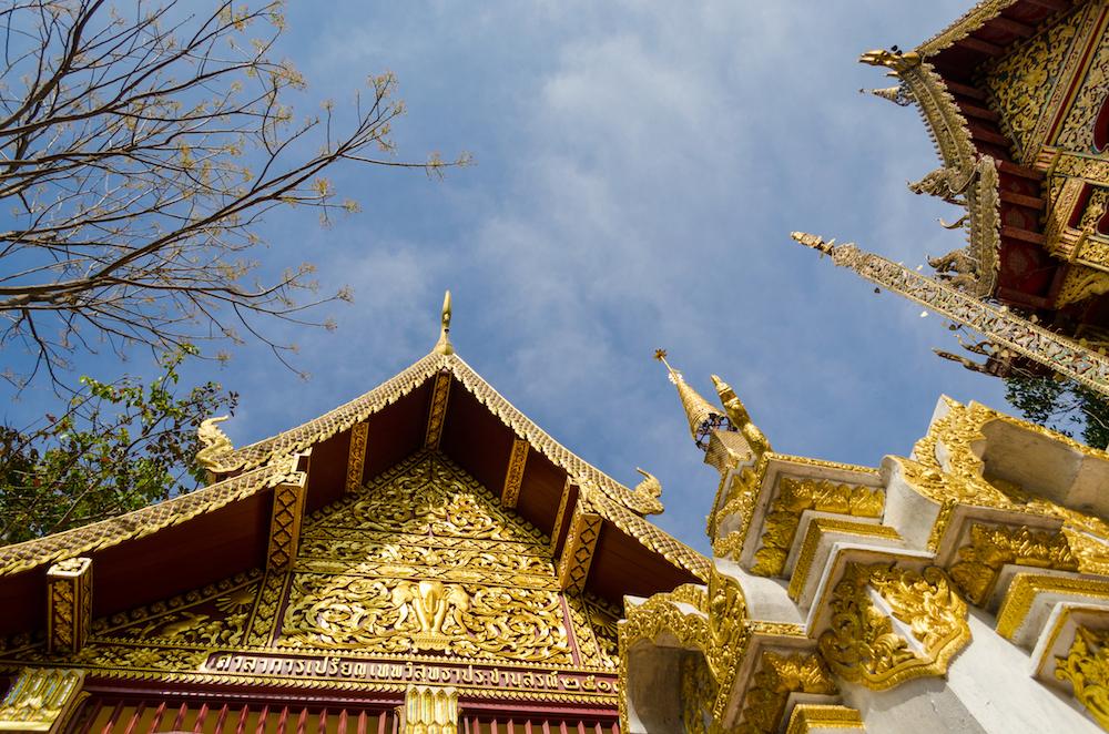 Wat Chedi Luang - Photo by Kiran Relangi on Scopio