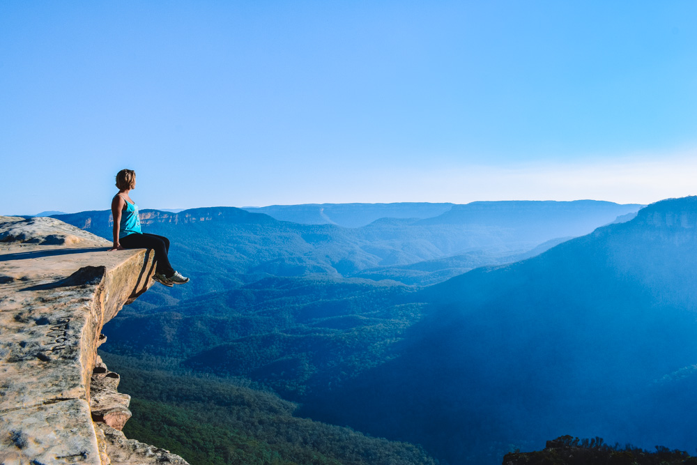 Enjoying the view over Blue Mountains from Lincoln Rock