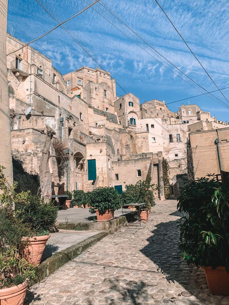 Exploring the cute streets of the Sassi of Matera