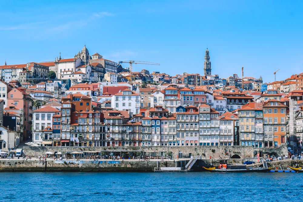 The riverfront in Porto is one of the must-see spots at night