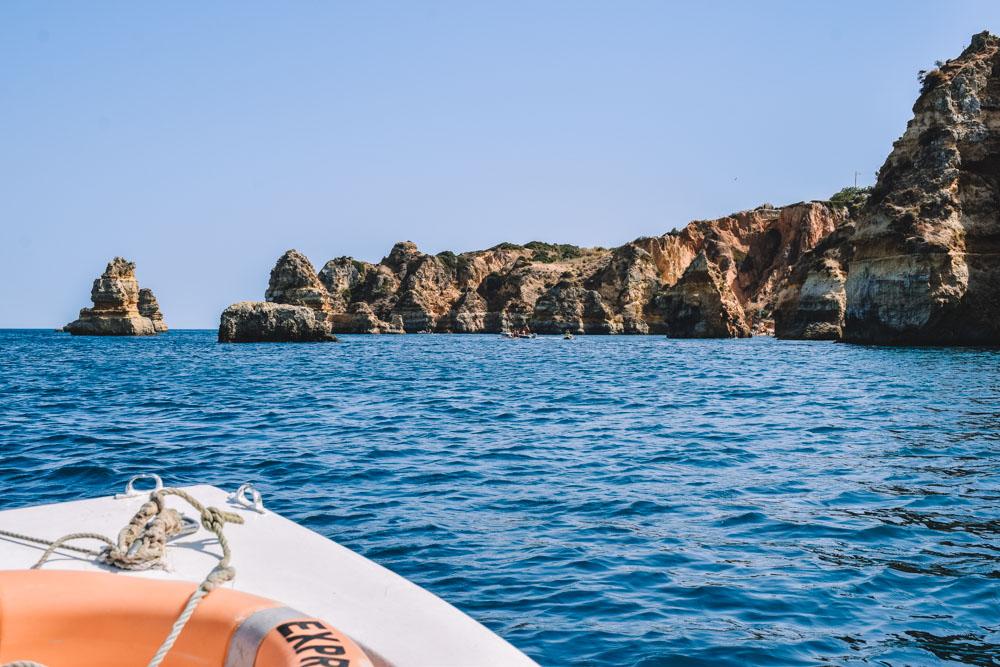 Cruising along the coast of Ponta da Piedade